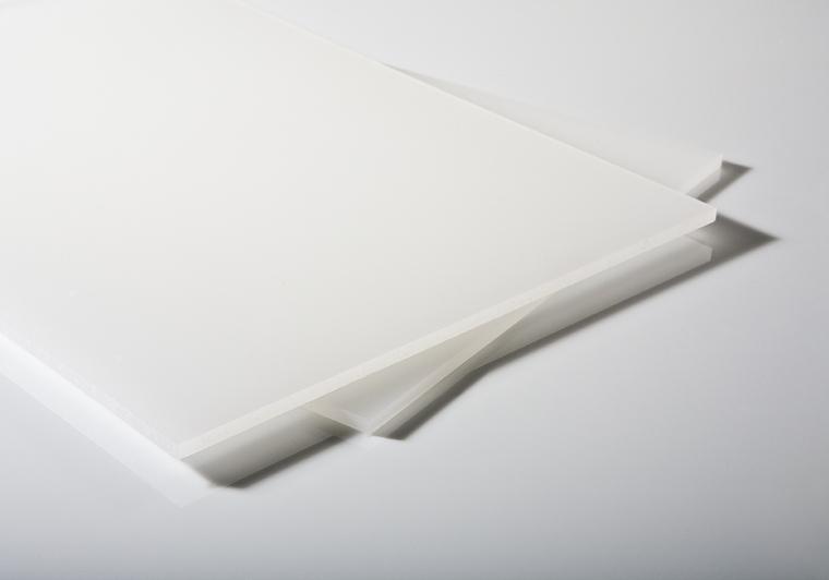 Plný polykarbonát opál 50% 3mm s UV