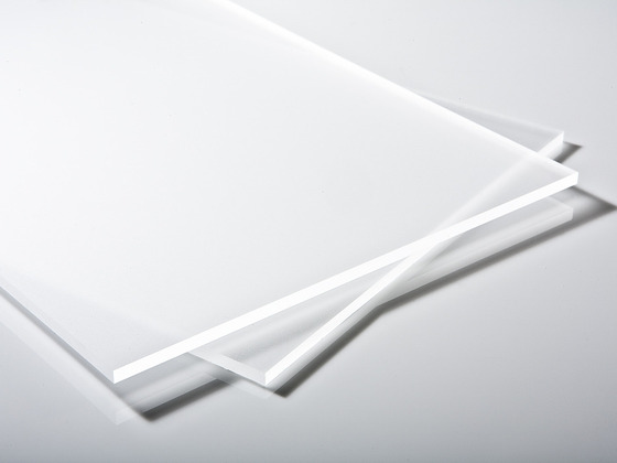 Plexisklo čiré satinované 4 mm