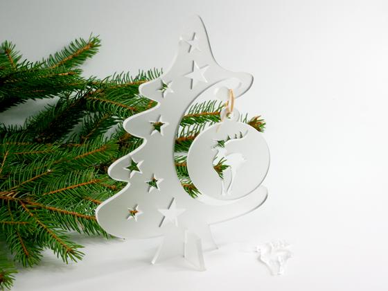 Vánoční stromek s ozdobou