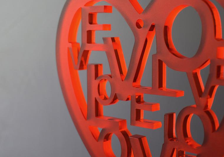 """Valentýnské srdce """"LOVE"""", červené"""