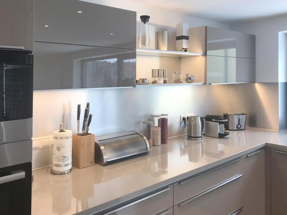 Obklad do kuchyně metalické odstíny