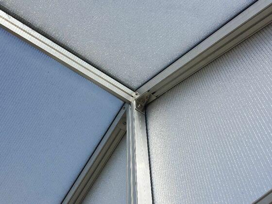 Polykarbonátové desky na skleník