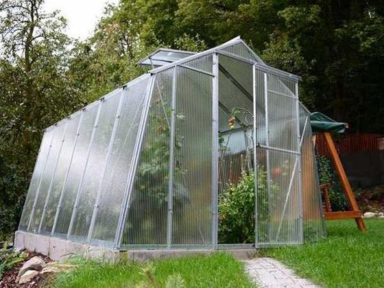 Polykarbonátový skleník H7