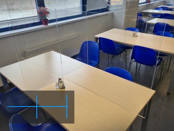 Plexi gastro přepážka pro různé typy stolů