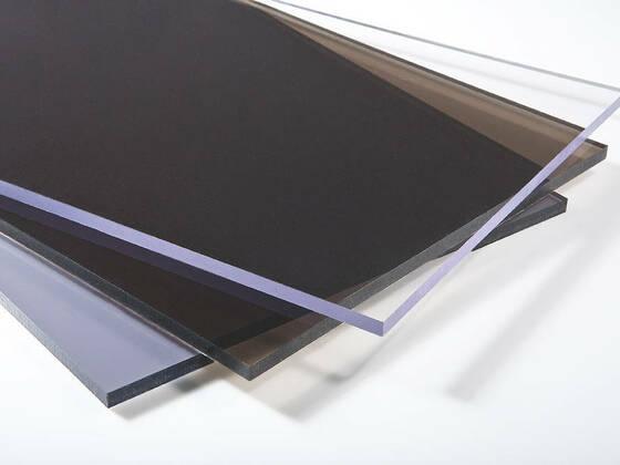 Plný polykarbonát s UV 2050x1150x6 mm, čirý