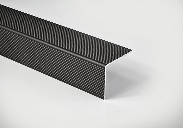 """Okopový hliníkový profil Elox černý """"L"""", 42/50 mm, délka 4,5 m"""