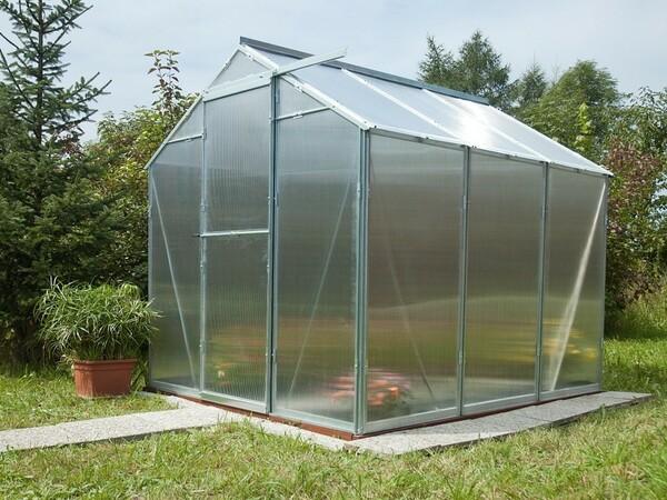 Zahradní skleníky z polykarbonátu