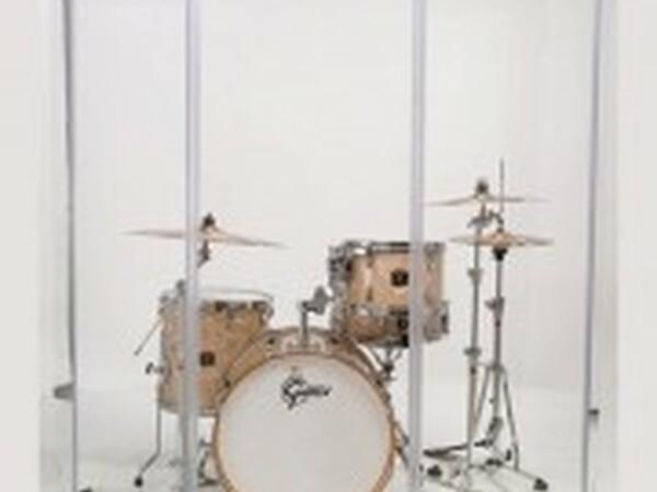 Akustické stěny před bicí