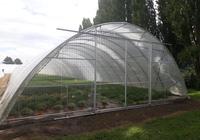 Čelo skleníku - vlnité polykarbonátové desky